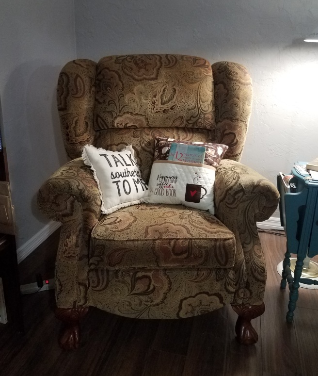 Reading Chair 2019-11-10 20.43.31
